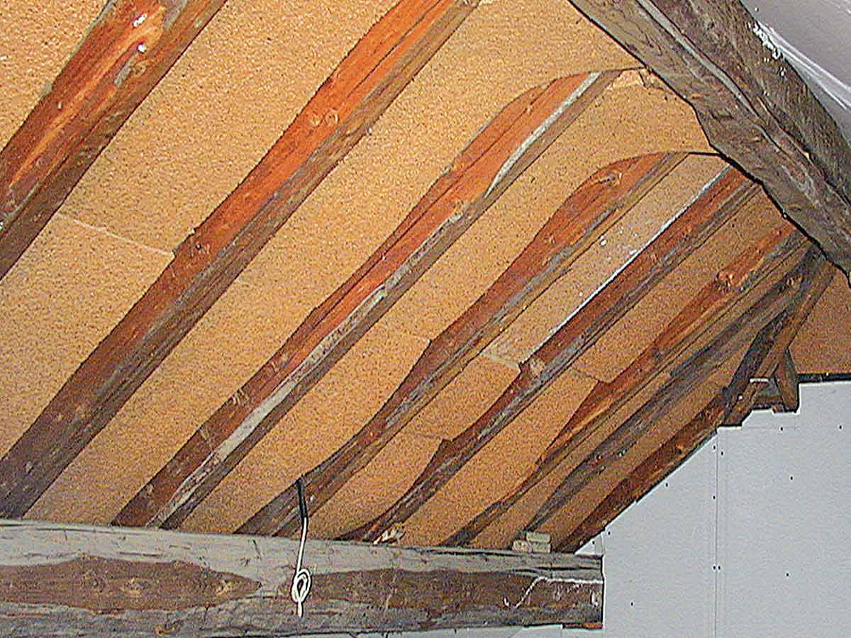 Sottotetto con pannelli in sughero e finitura in - Isolamento tetto interno ...