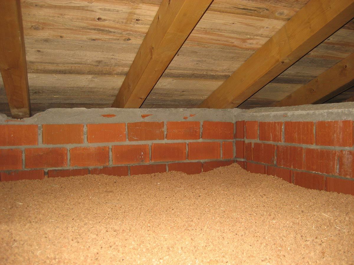 Sottotetto con granuli in sughero coverd - Sughero isolante termico interno ...